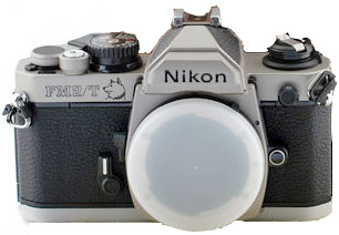 The Nikon FM2/T Dog Years was an initiative of the Taiwanese distributors (300 pieces).