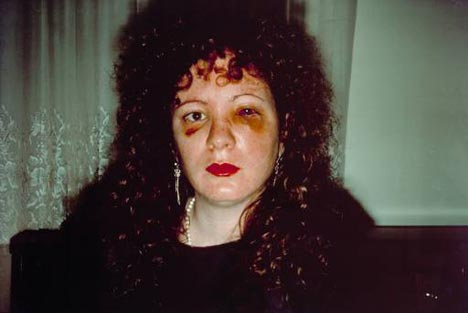 All by myself (série) - Nan Goldin (© Nan Goldin)